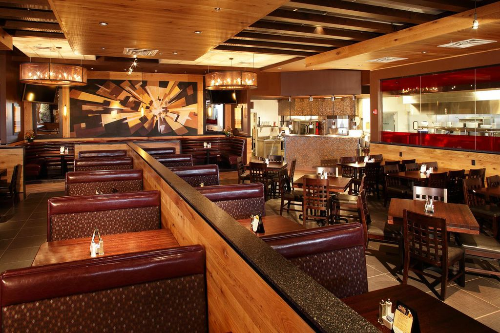 Corporate Dining Space in Naperville
